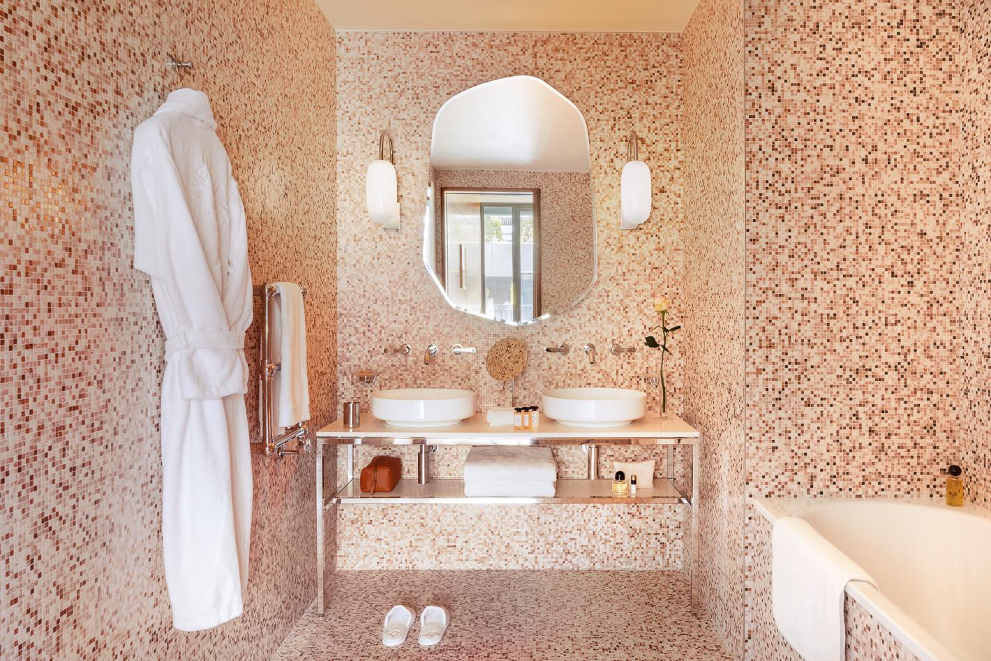 executive-salle-de-bain-hotel-madame-reve-1