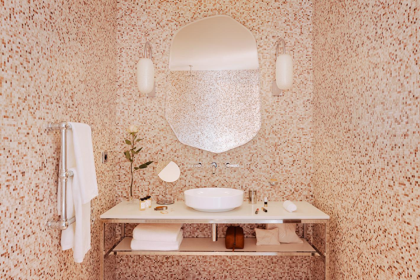 superieur-deluxe-salle-de-bain-hotel-madame-reve